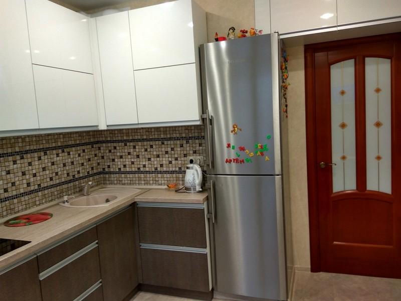 Как лучше установить холодильник на кухне фото